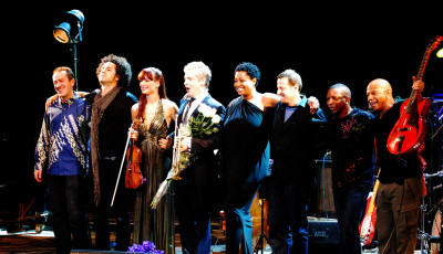 Chris Botti band L to R: GK, Carlitos Del Puerto, Caroline Campbell, Chris Botti, Lisa Fischer, Andy Ezrin, Billy Kilson, Mark Whitfield